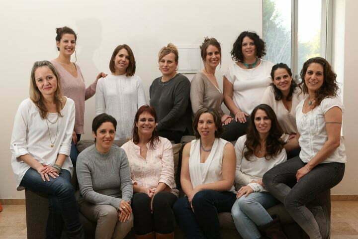 צוות מרפאות ההנקה של בית להנקה